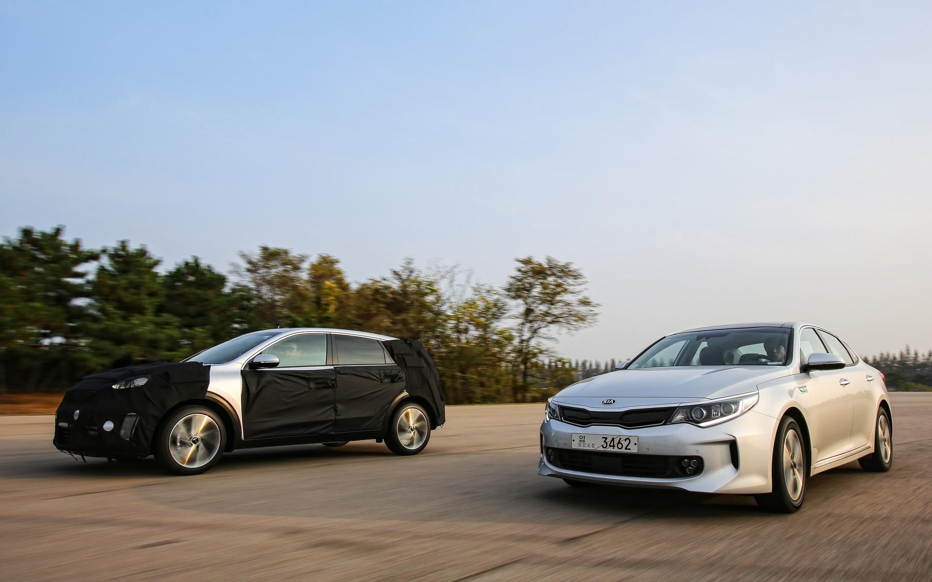 Kia Optima Hybrid 2016 et Kia Optima hybride branchable (PHEV) 2016
