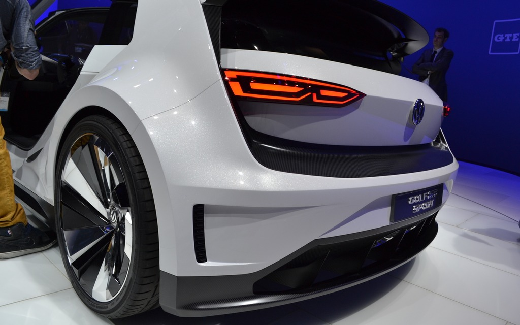 Vw Of America >> Volkswagen Golf GTE Sport Concept Lands In North America - 9/18