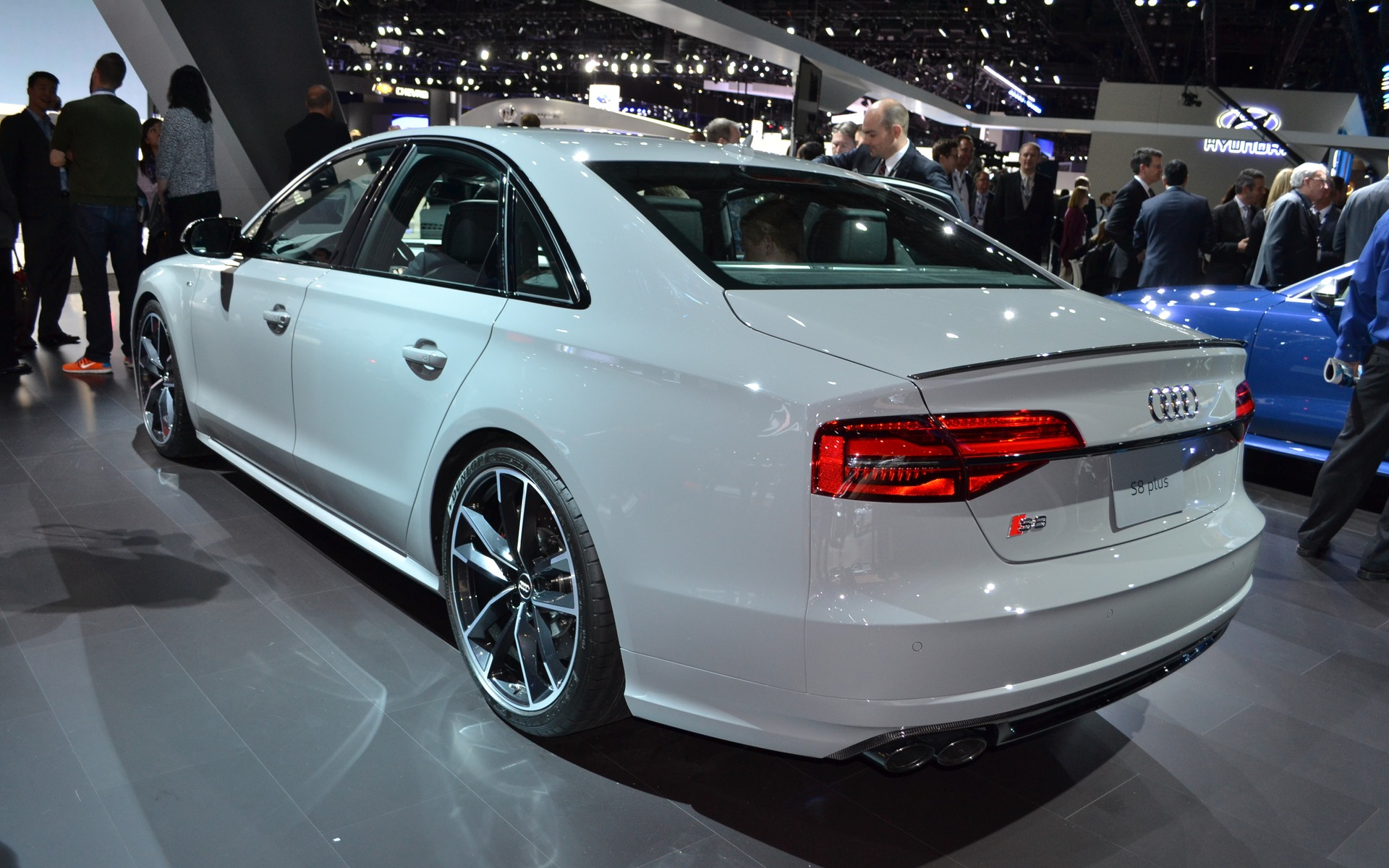 To Hell With Diesel Audi Takes The Electric Plunge In L A