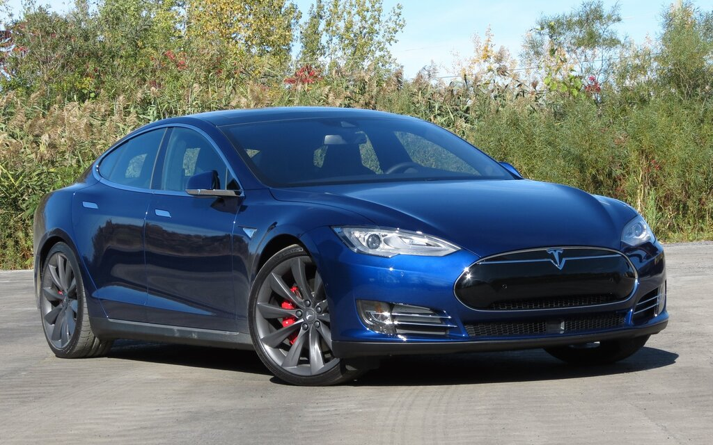 Pre Owned Tesla >> Exclusive: Tesla Model S P90D: A High-Speed 5- or 7-Seat ...
