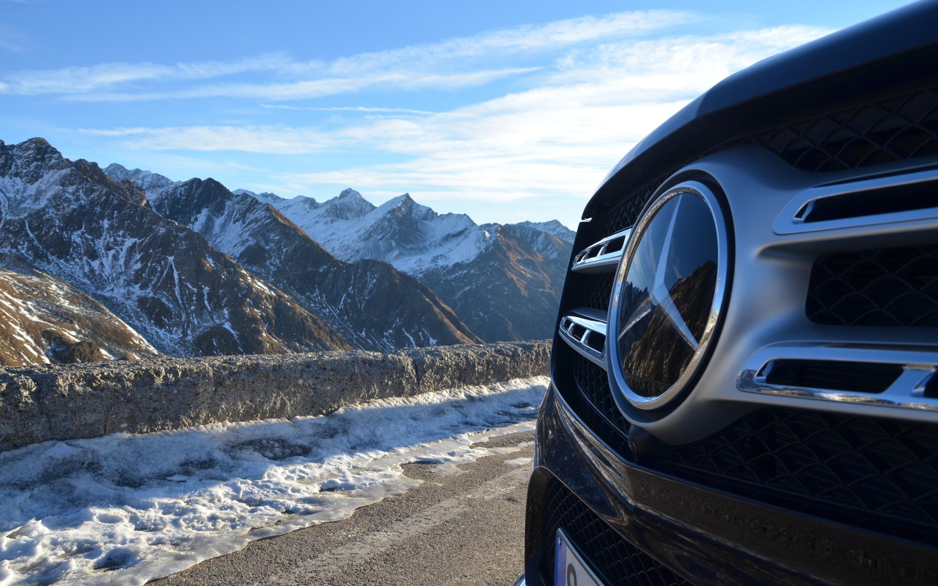 Mercedes Benz Gls >> 2017 Mercedes-Benz GLS: The S-Class Of SUVs - 19/25