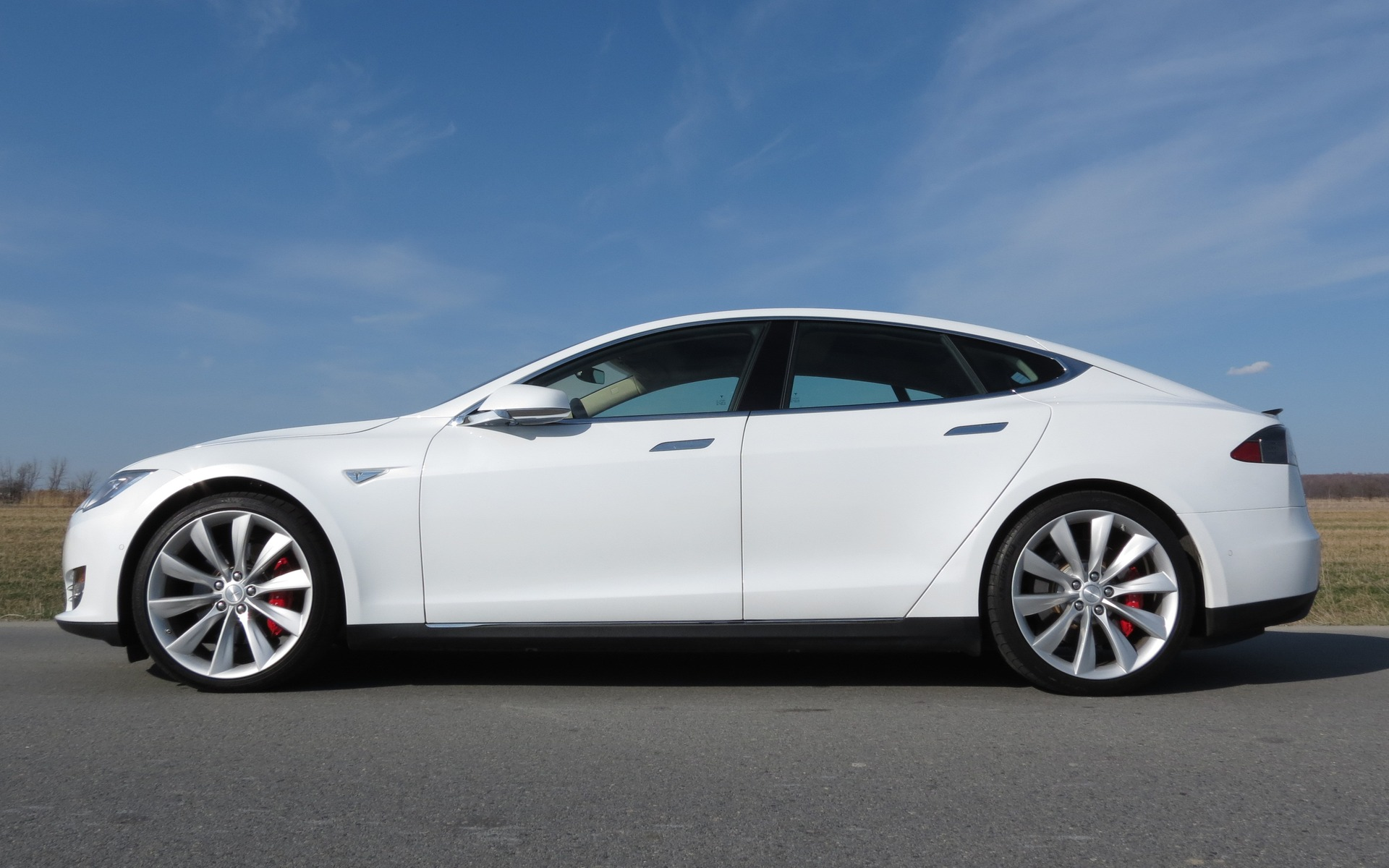 tesla model s p85d and 70d awd performance and better price 2 47. Black Bedroom Furniture Sets. Home Design Ideas