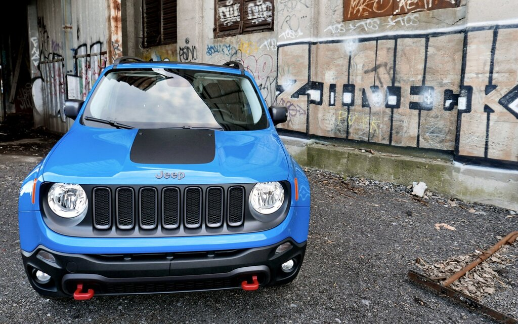 2016 jeep renegade trailhawk platform for success the car guide. Black Bedroom Furniture Sets. Home Design Ideas
