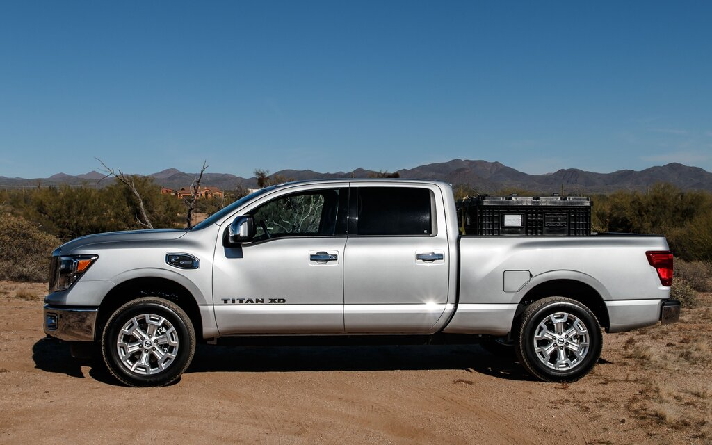 2016 nissan titan xd affordable the car guide. Black Bedroom Furniture Sets. Home Design Ideas