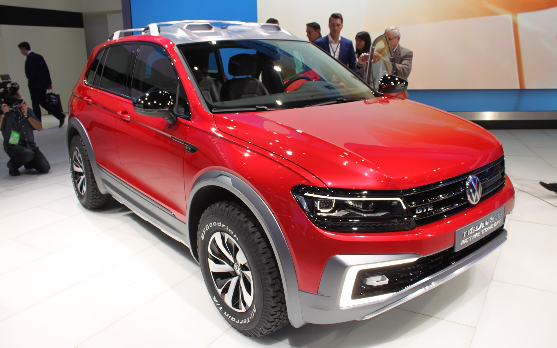 volkswagen tiguan gte active concept hybrids are moving in at vw the car guide. Black Bedroom Furniture Sets. Home Design Ideas