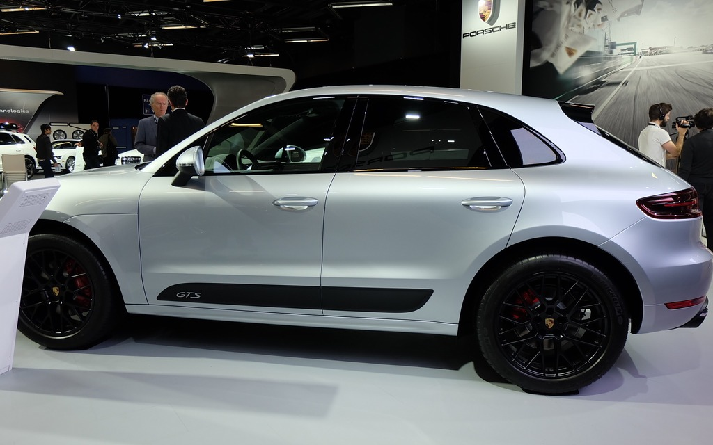 porsche macan at with  on 5 together with Porsche Macan Diesel 2014 Uk Pictures together with Porsche Macan Gts In Pictures furthermore Porsche Macan Gts Spied Pictures further Df3a130e5b8eb56fd45a1183.