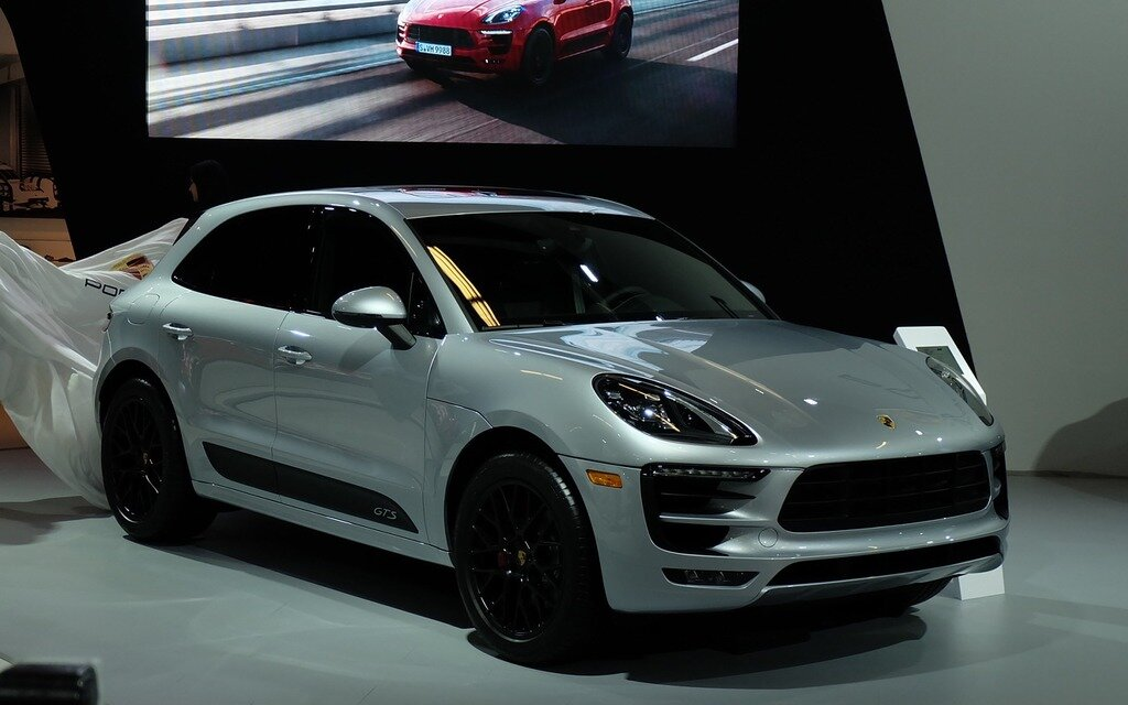 2017 Porsche Macan GTS: The Perfect Compromise? - 8/14