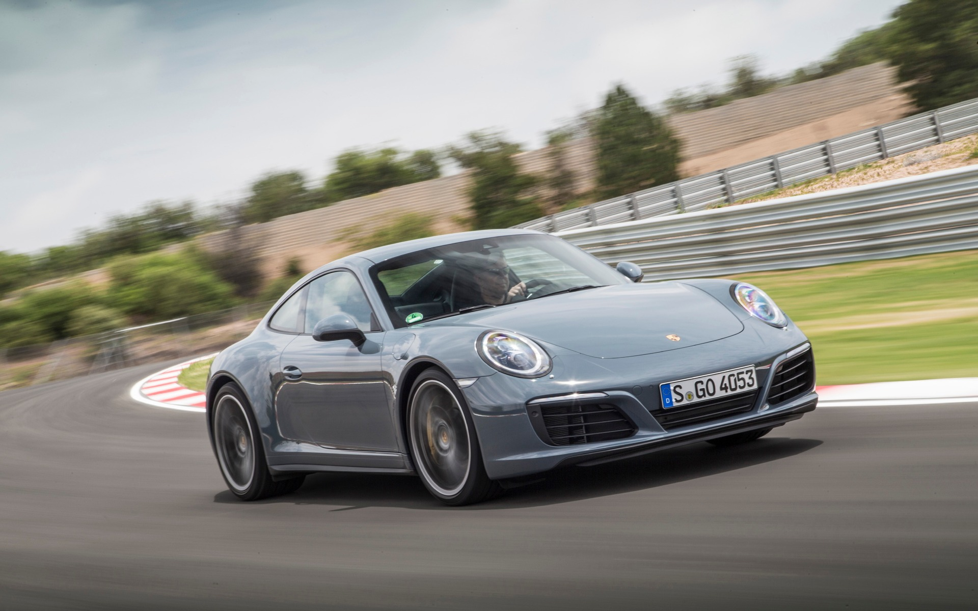 Porsche 911 Carrera 4S à l'essai sur circuit en Afrique du Sud