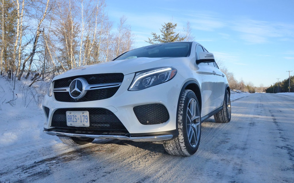 2016 mercedes benz gle 350d 4matic coupe hits the ground running 11 28. Black Bedroom Furniture Sets. Home Design Ideas