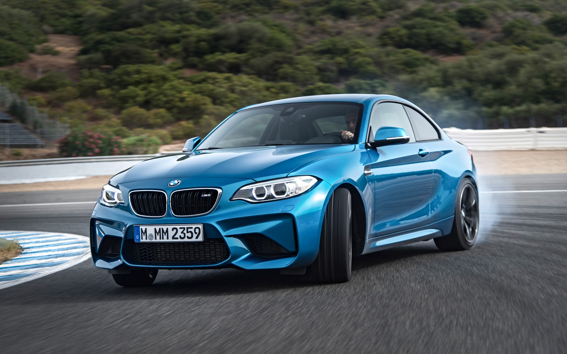 bmw m2 2016 l essai cette semaine guide auto. Black Bedroom Furniture Sets. Home Design Ideas