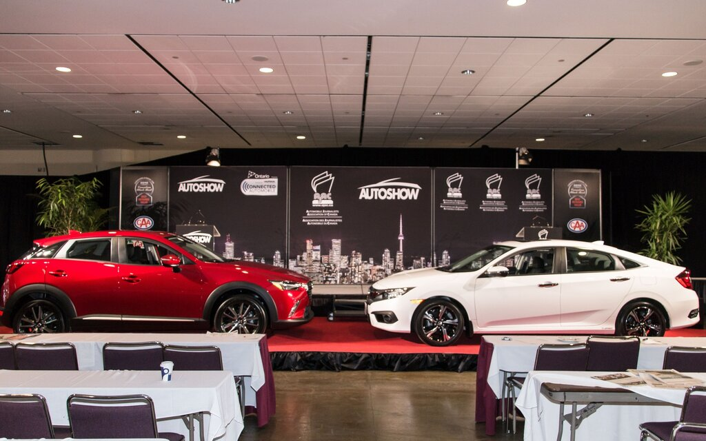 honda civic et mazda cx 3 gagnants des prix des voitures canadiennes de l ann e de l ajac. Black Bedroom Furniture Sets. Home Design Ideas