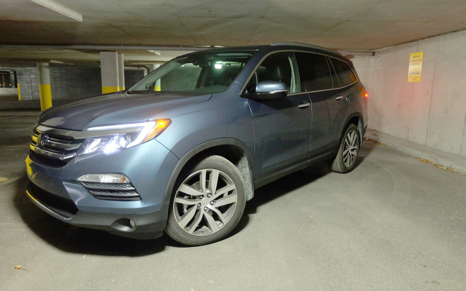 The 2016 Honda Pilot's new styling is decidedly modern, if somewhat bland.