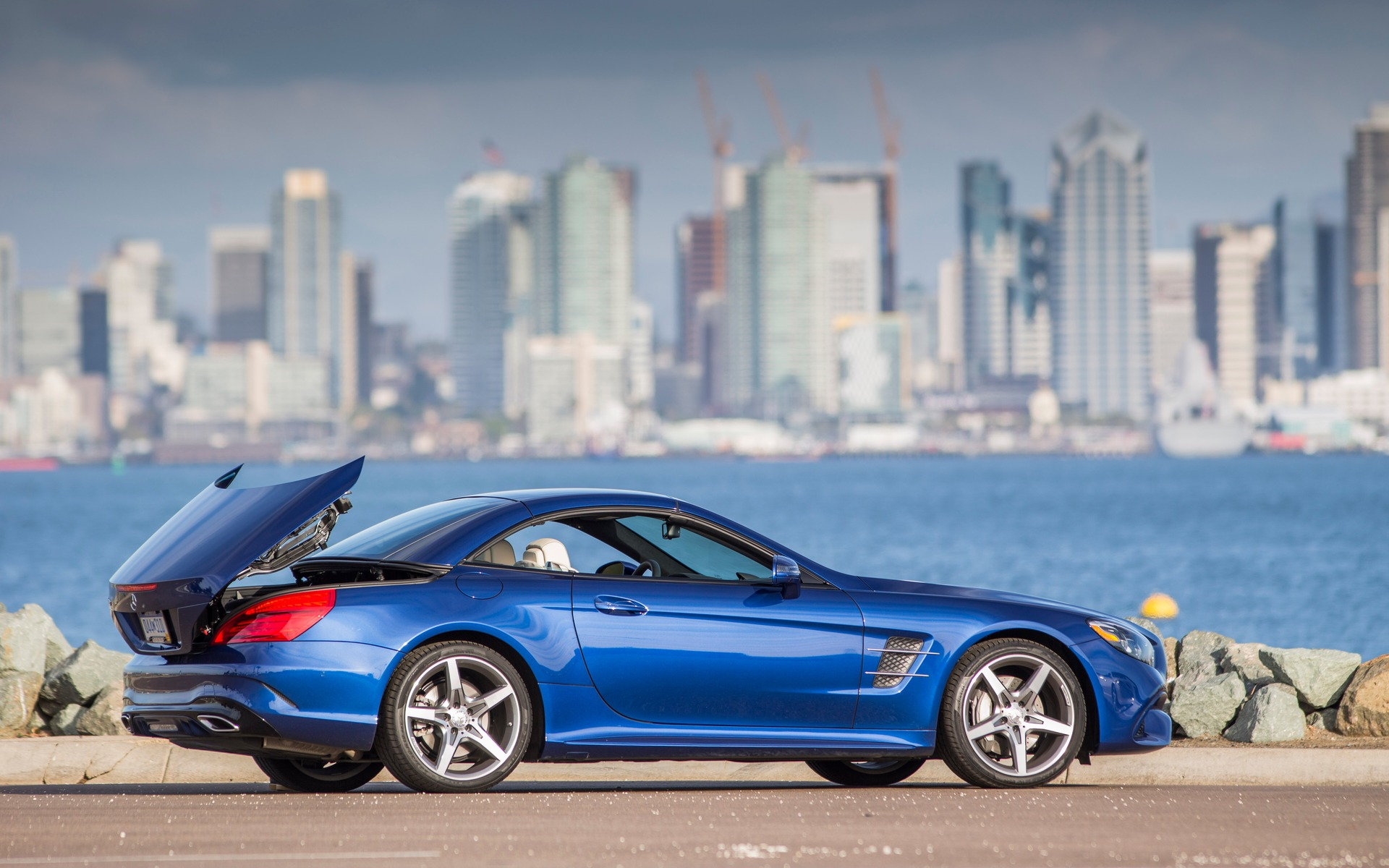 2017 Mercedes-Benz SL: More Evocative and More Refined - 20/36