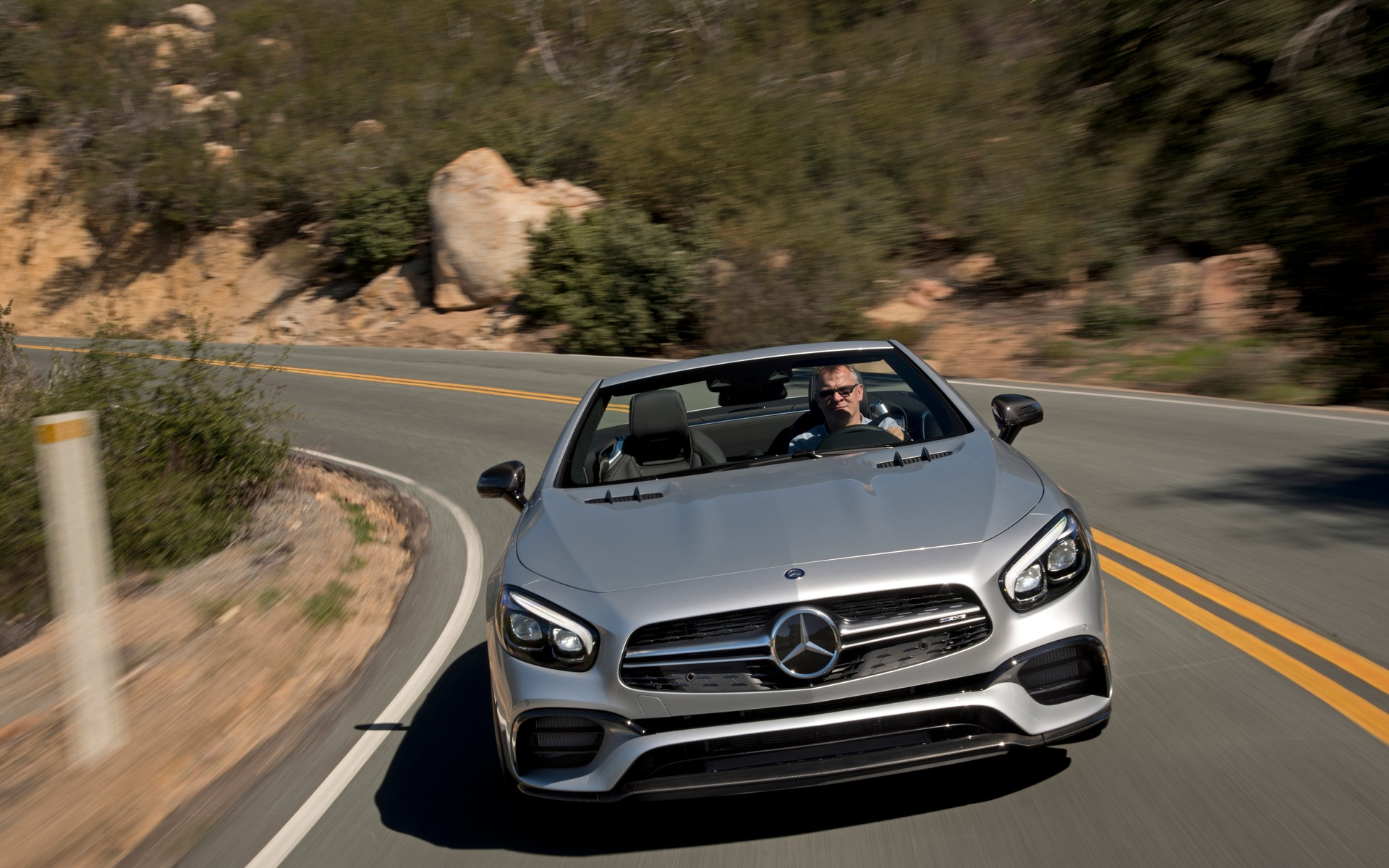 2017 Mercedes-Benz SL: More Evocative and More Refined - 24/36