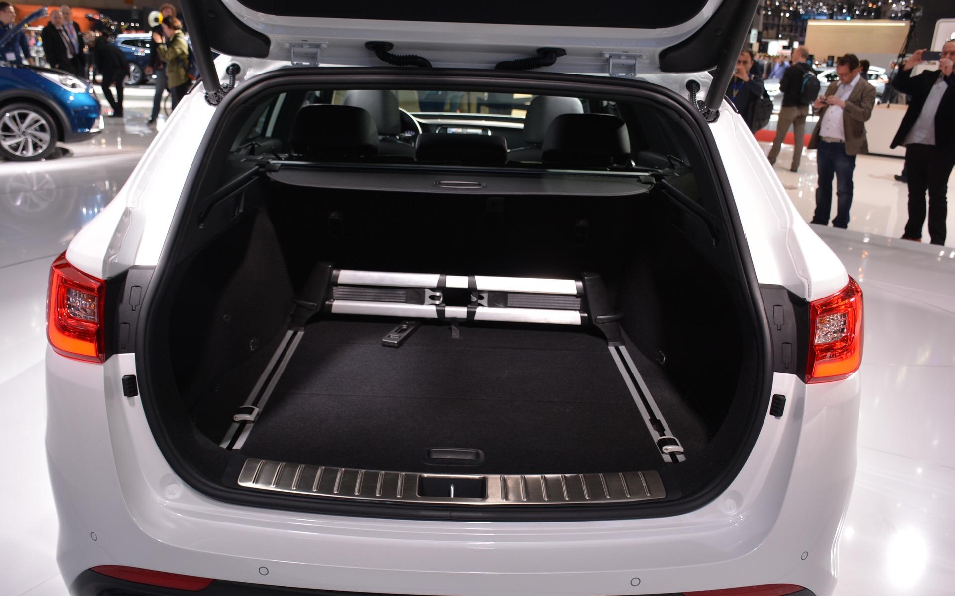 Kia Optima Sportwagon GT