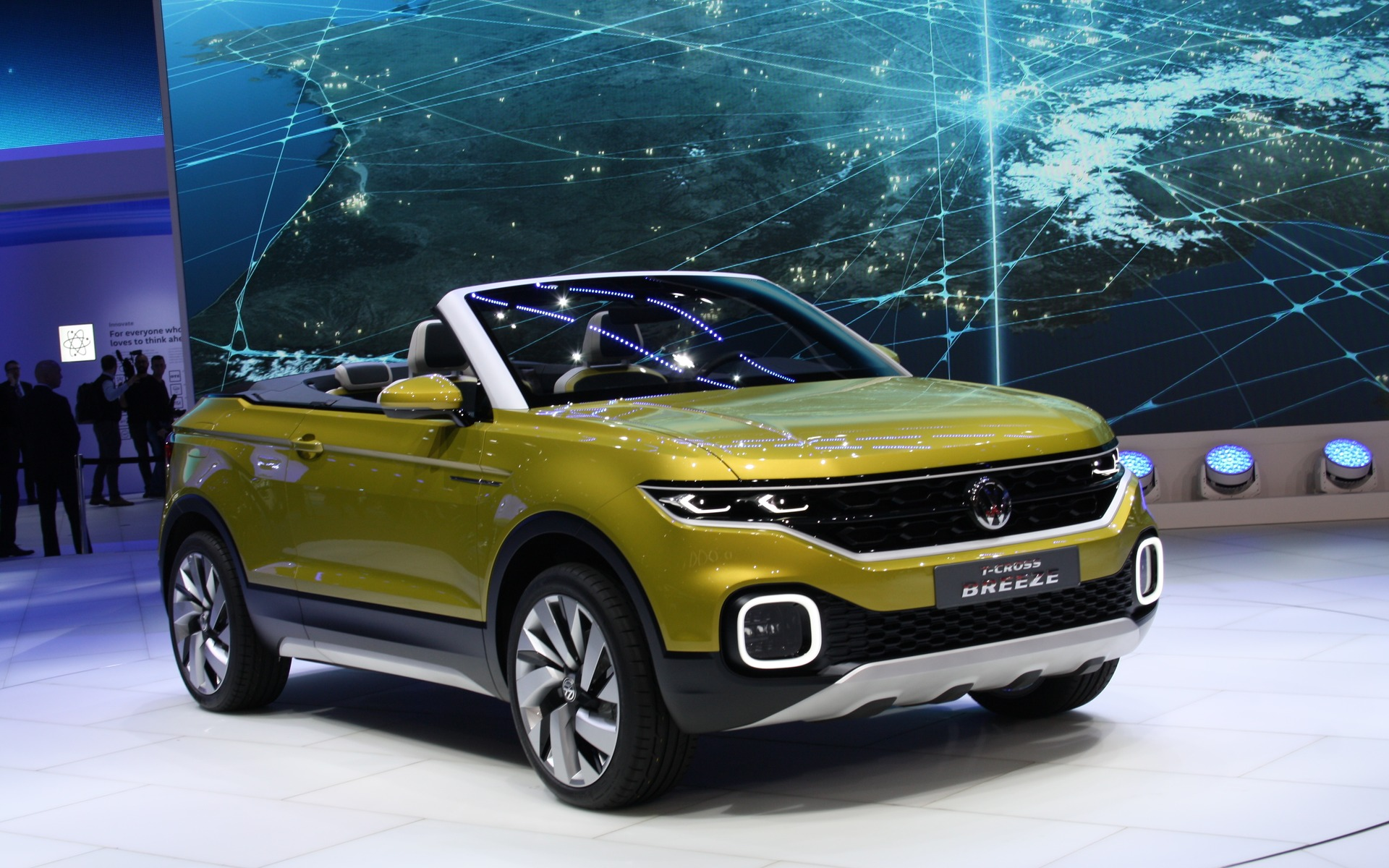 volkswagen t cross breeze makes world debut in geneva the car guide. Black Bedroom Furniture Sets. Home Design Ideas