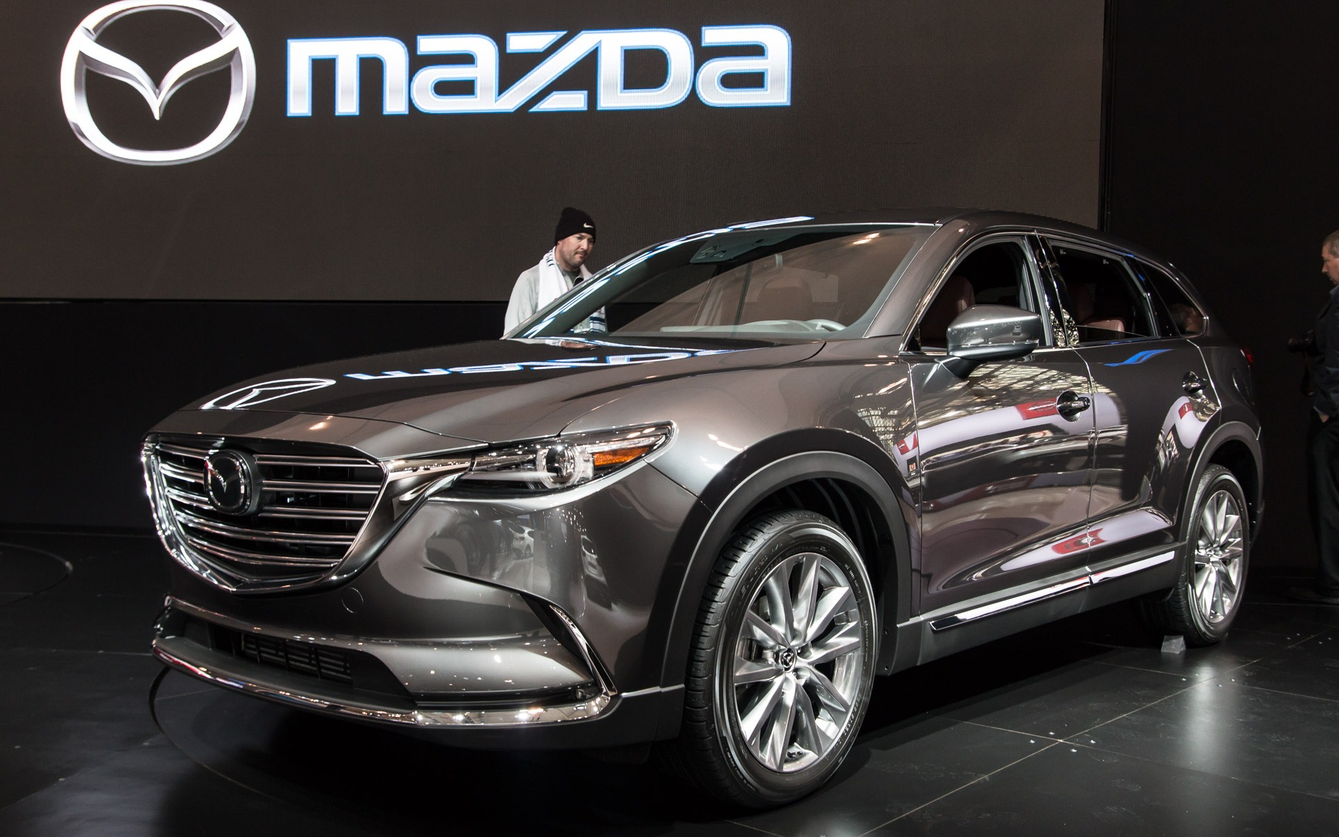 pricing announced for the 2016 mazda cx 9 the car guide. Black Bedroom Furniture Sets. Home Design Ideas