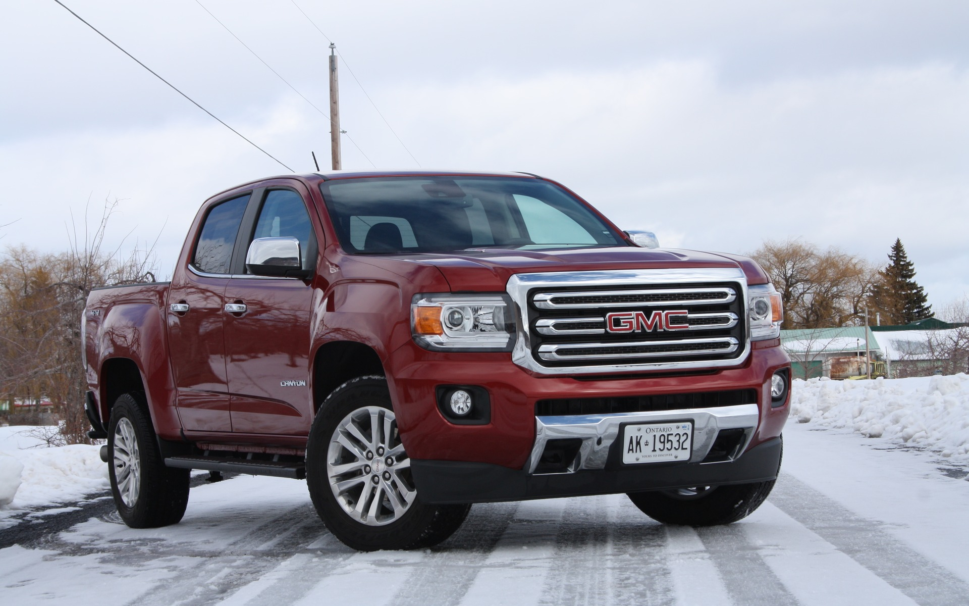 2016 gmc canyon slt duramax diesel efficiency comes at a. Black Bedroom Furniture Sets. Home Design Ideas