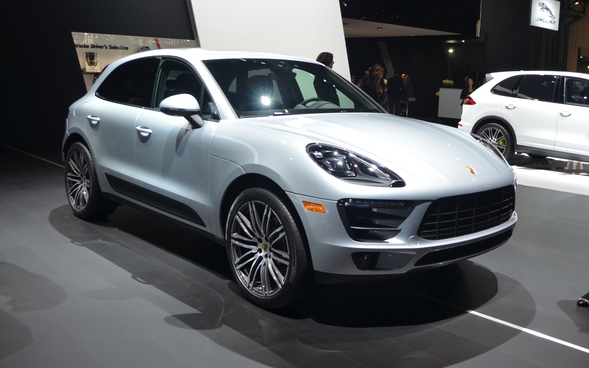 porsche macan 2017 un autre turbo s 39 ajoute la gamme guide auto. Black Bedroom Furniture Sets. Home Design Ideas