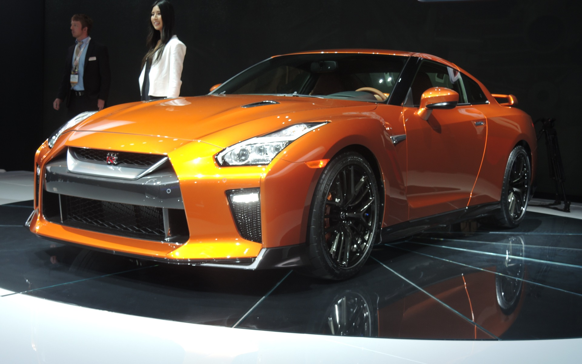 2017 Nissan GT-R: The Japanese Supercar is Seriously ...