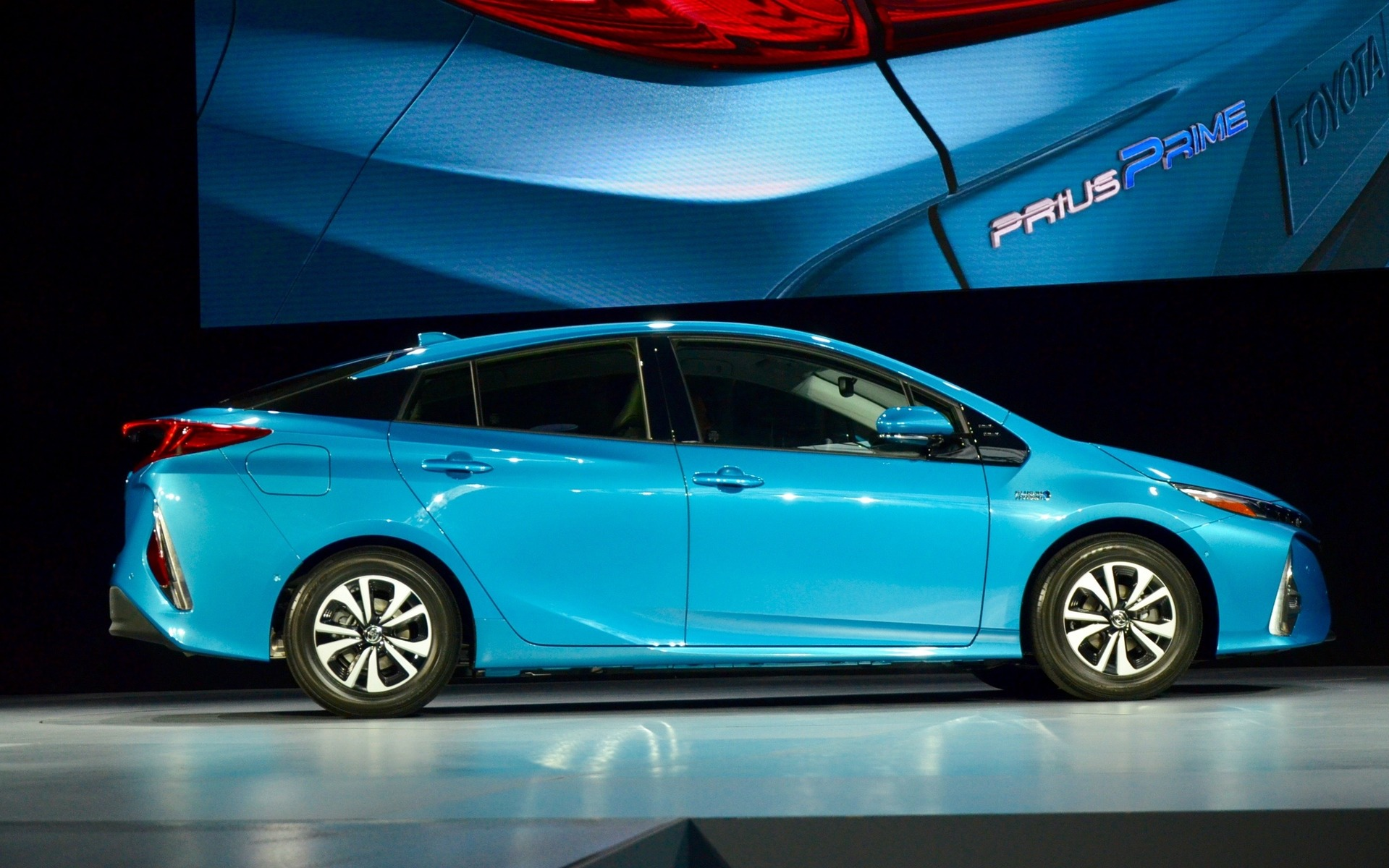 Used Toyota Prius >> 2017 Toyota Prius Prime: New Plug-in Hybrid Unveiled in New York - 6/10