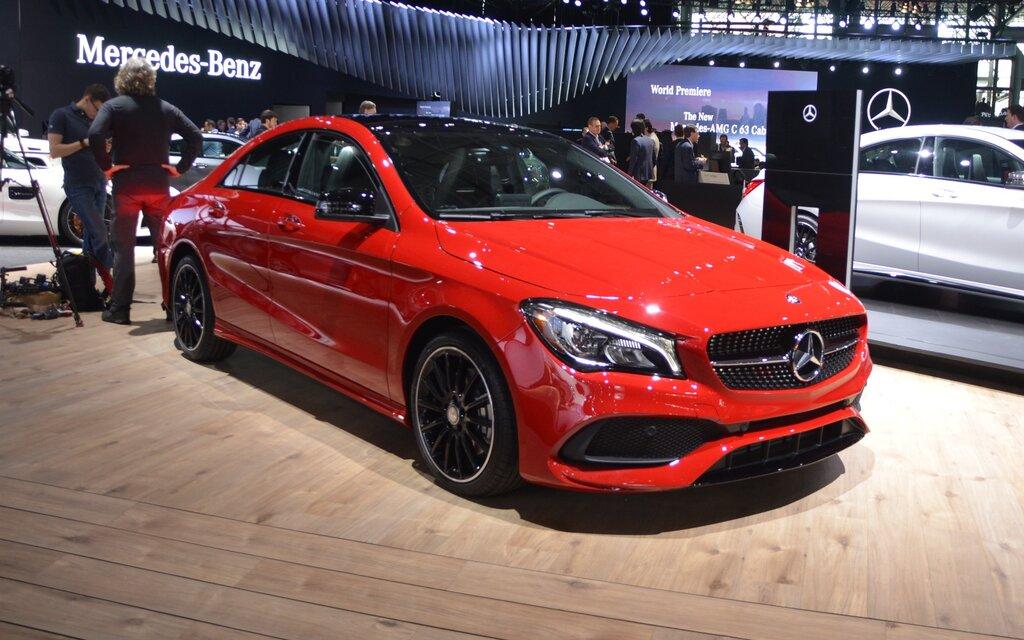 Mises jour pour la mercedes benz cla guide auto for Mercedes benz metairie la