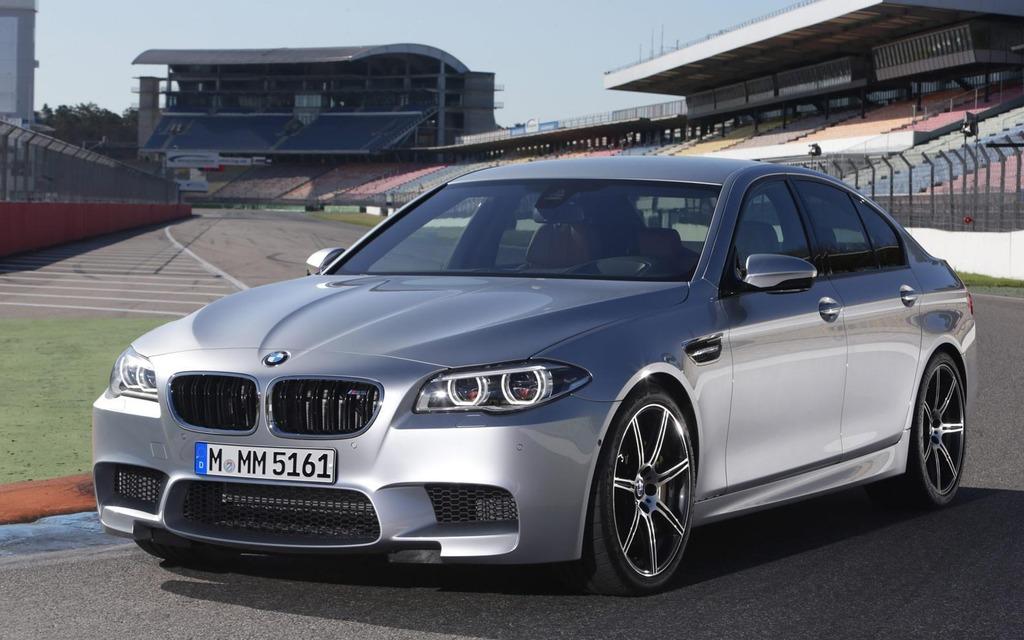 La BMW M5 fait le 0-100 km/h en 4,3 secondes, pas si mal pour une berline.