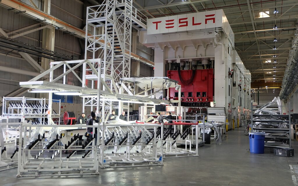 tesla pourrait emm nager dans une centrale nucl aire guide auto. Black Bedroom Furniture Sets. Home Design Ideas