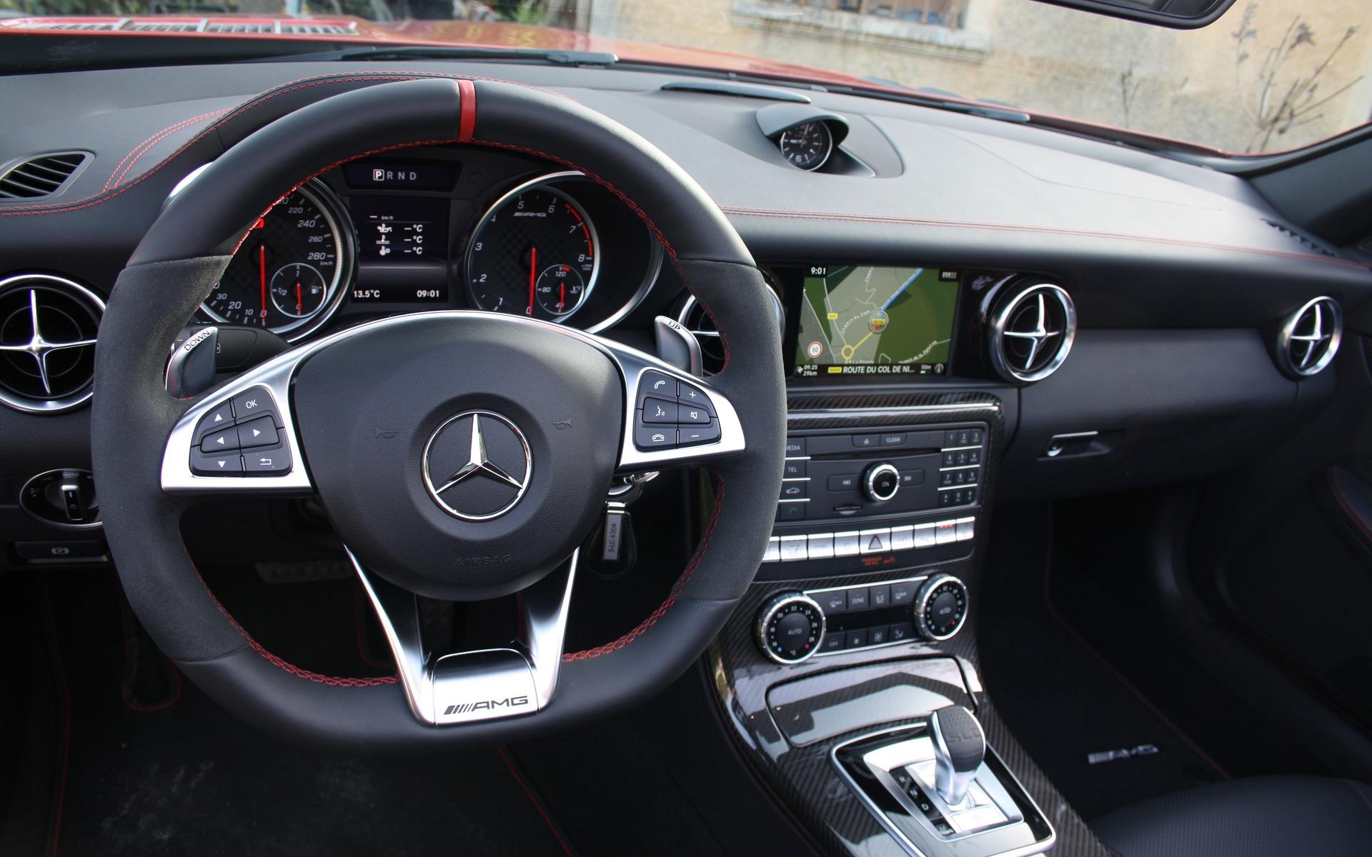 https://i.gaw.to/photos/2/4/5/245398_2017_Mercedes-Benz_SLC.jpg
