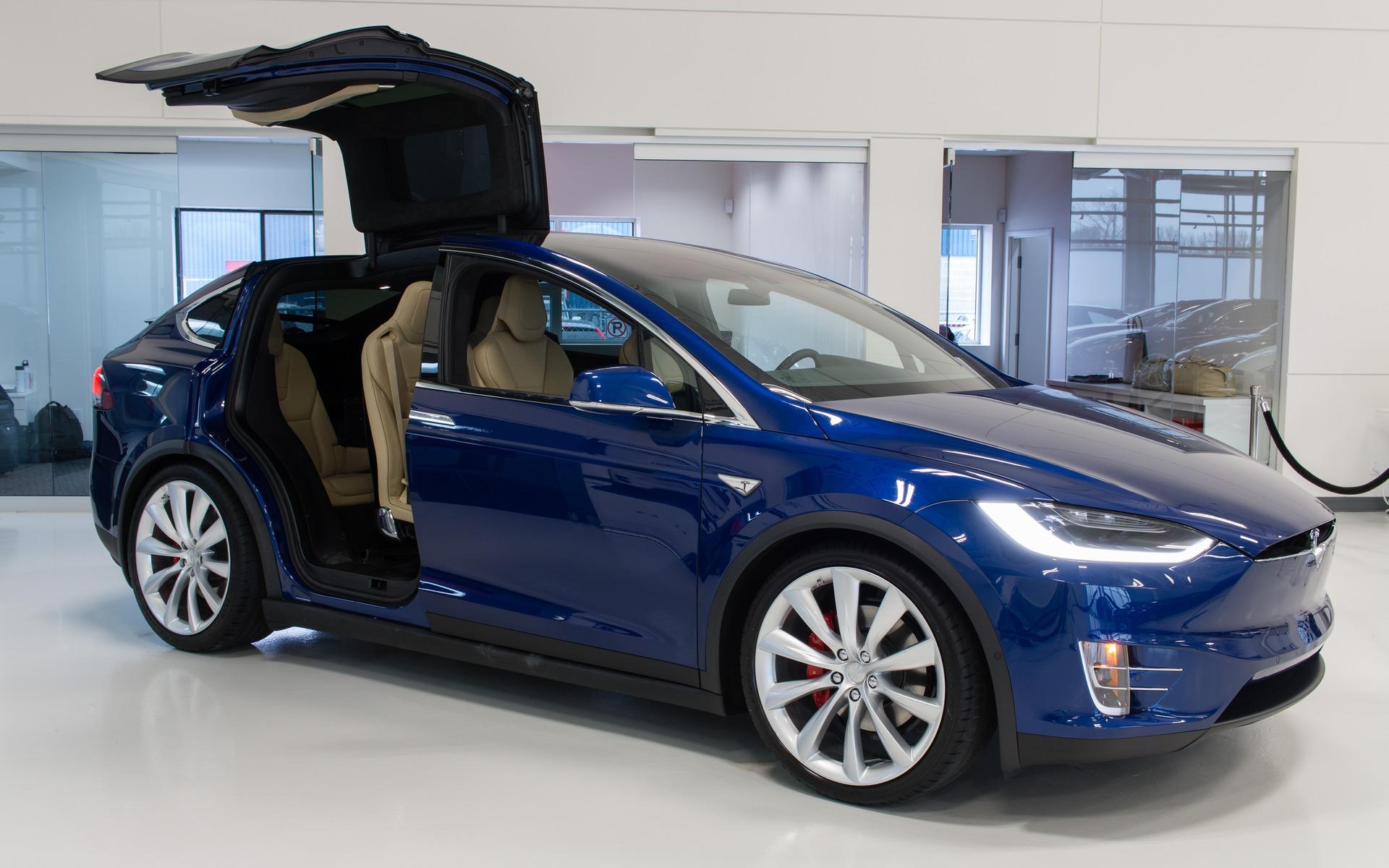 Tesla Must Recall The Model X - 3/4