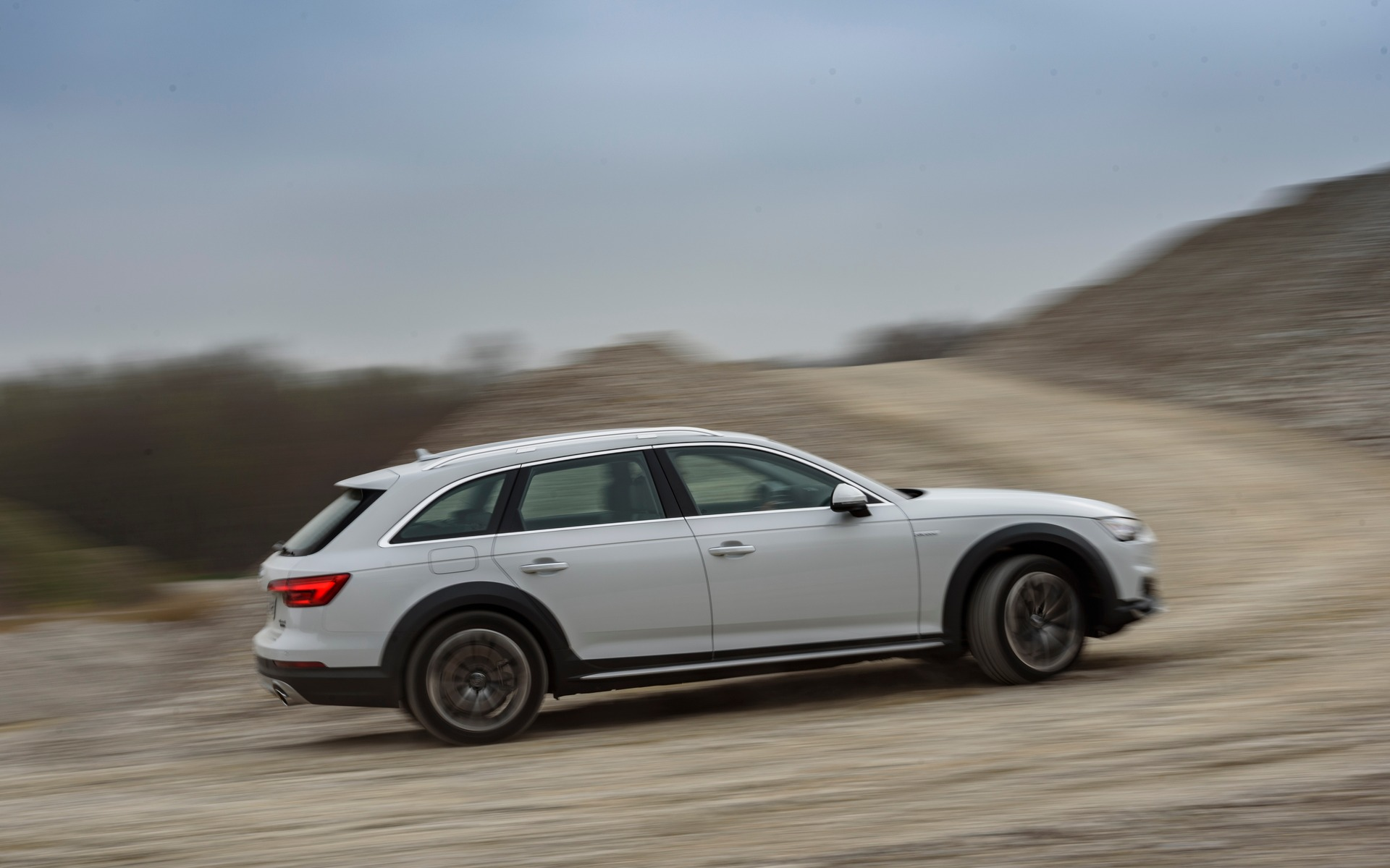 2017 audi a4 allroad less quattro is more the car guide. Black Bedroom Furniture Sets. Home Design Ideas