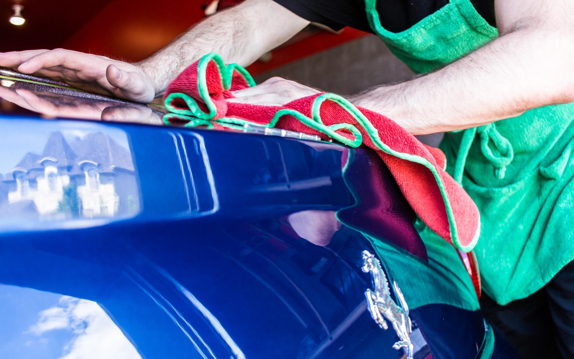 Les pièges à éviter pour garder sa voiture étincelante tout l'été