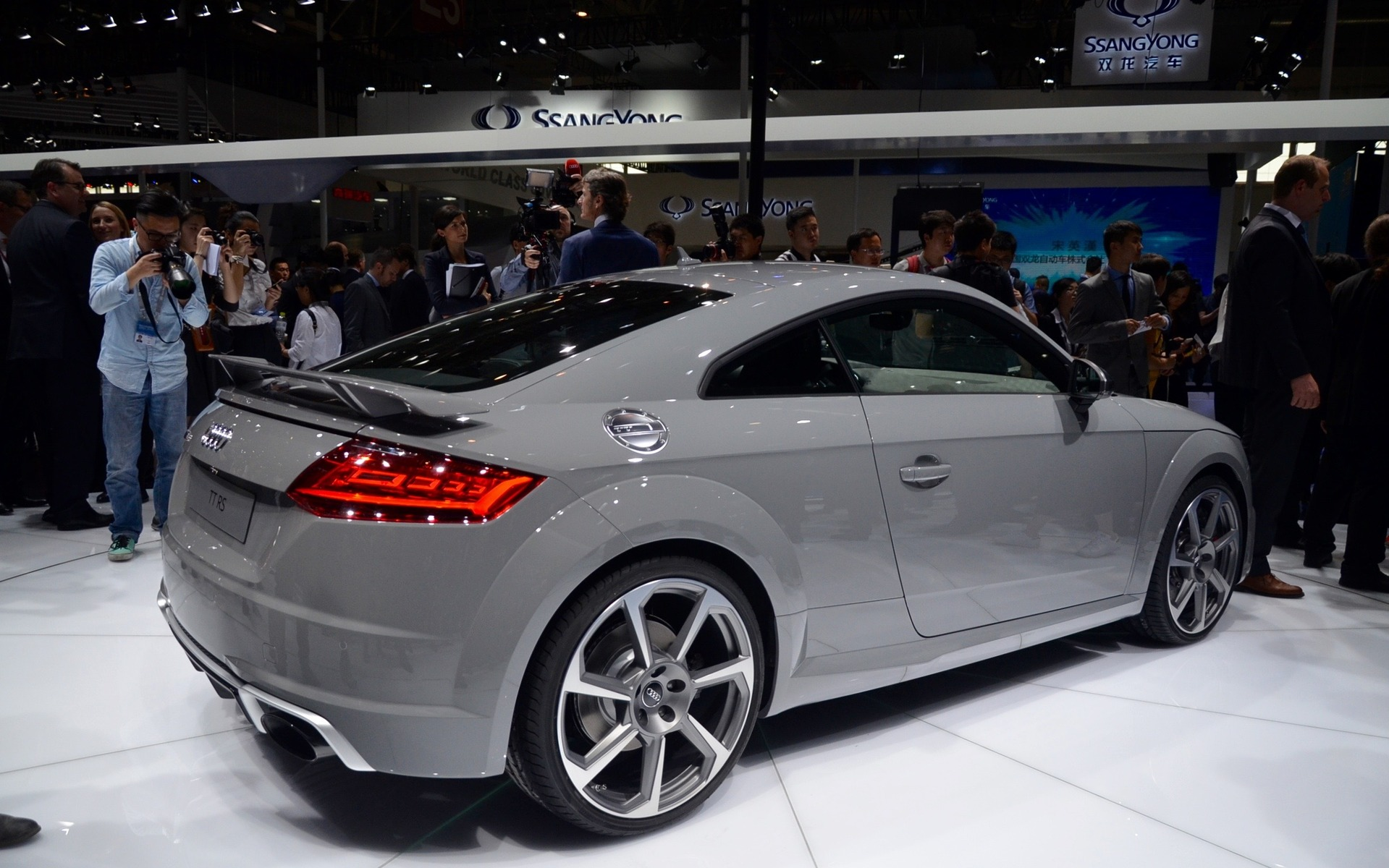 audi unveils tt rs models in beijing - 12/14