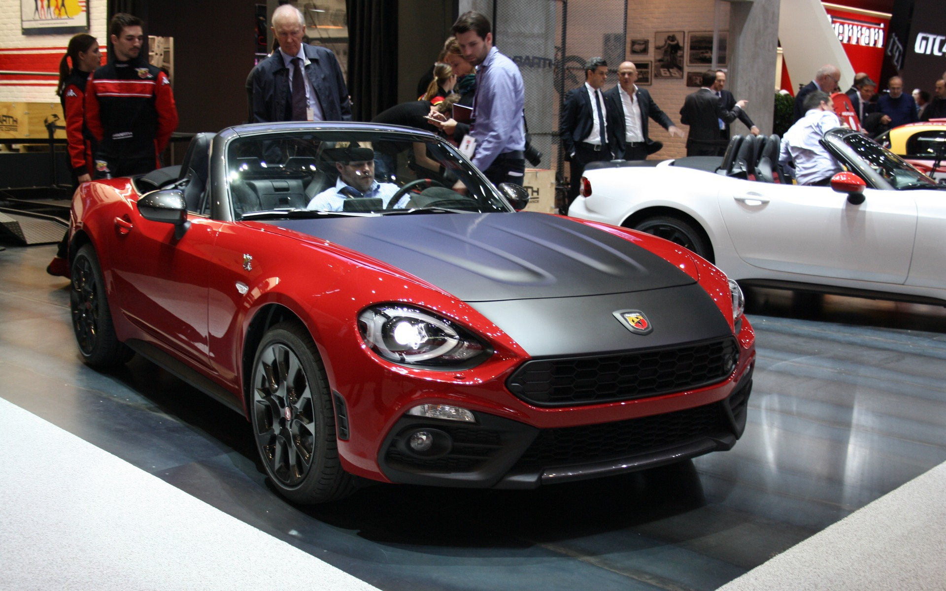 fiat annonce le prix de la 124 spider 2017 guide auto. Black Bedroom Furniture Sets. Home Design Ideas