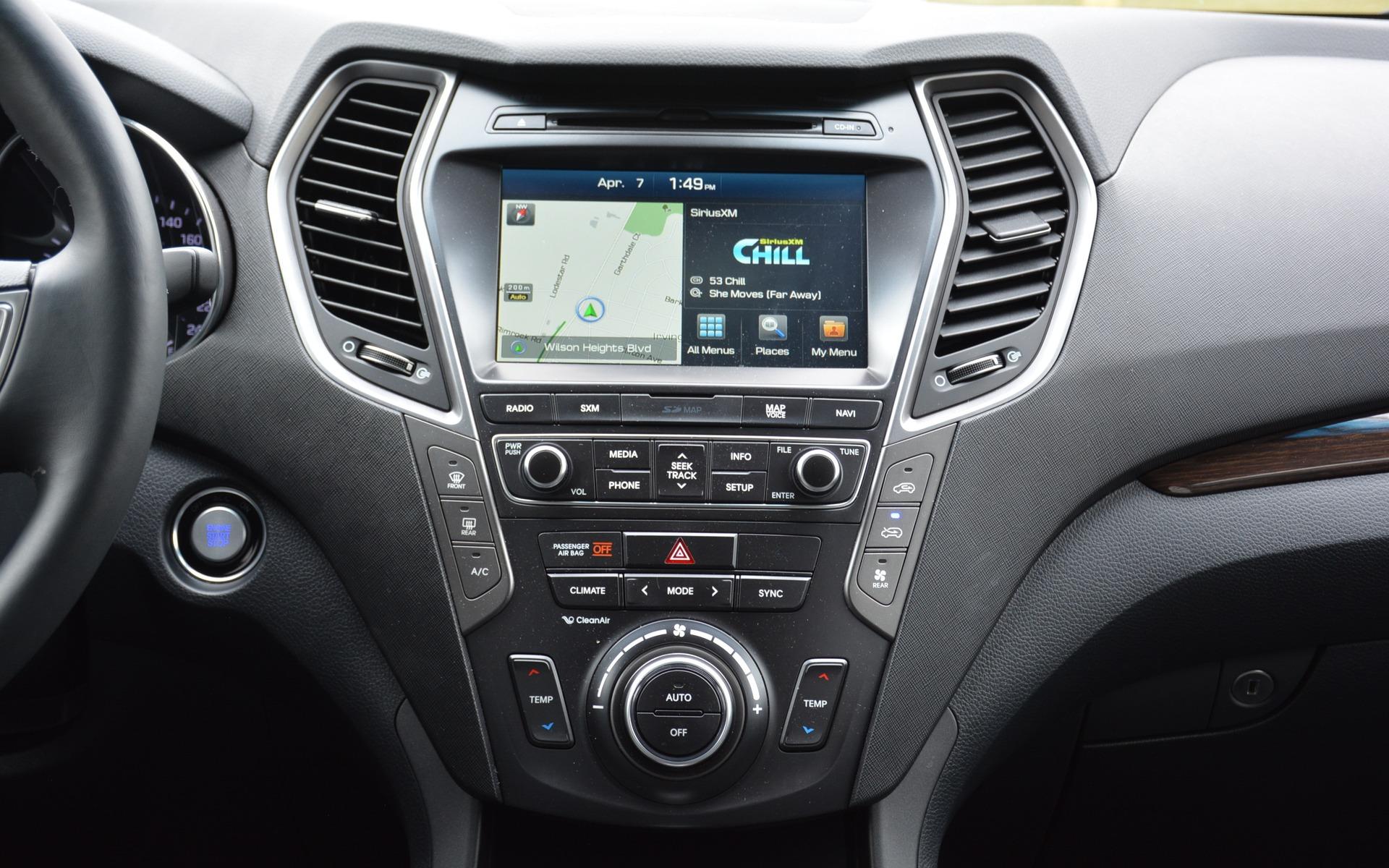 2016 Hyundai Santa Fe >> 2017 Hyundai Santa Fe XL: large in its title, not in its ...