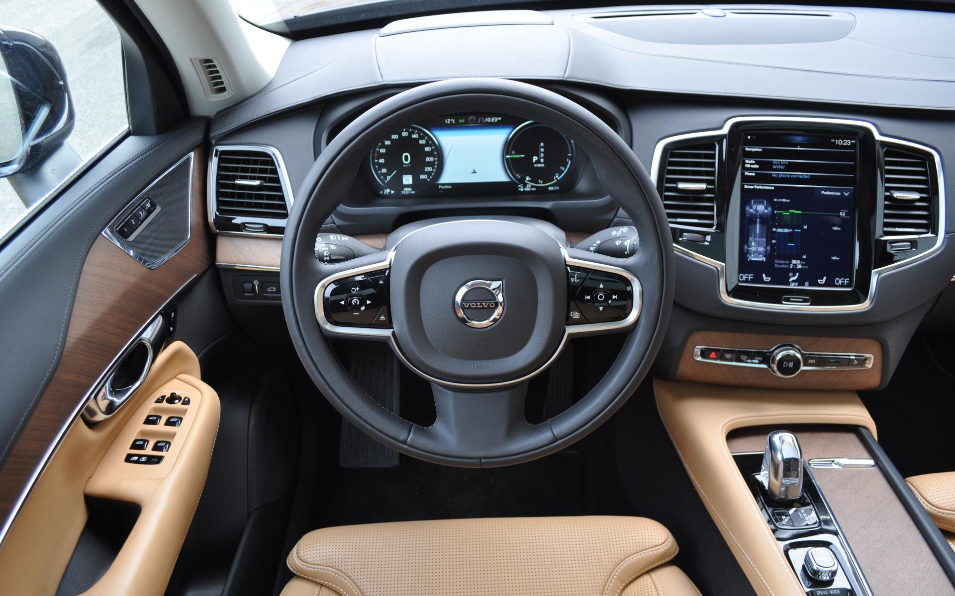 Volvo Xc90 Interior >> 2016 Volvo XC90 T8 Inscription: Efficiency, Luxury and Performance - 3/27