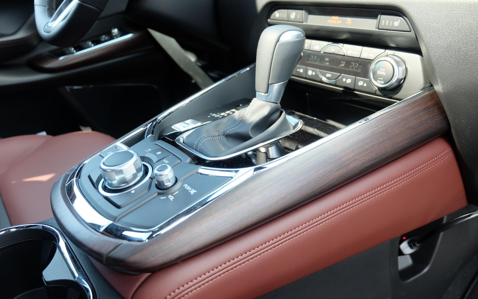 Du bois véritable dans une Mazda? Eh oui!