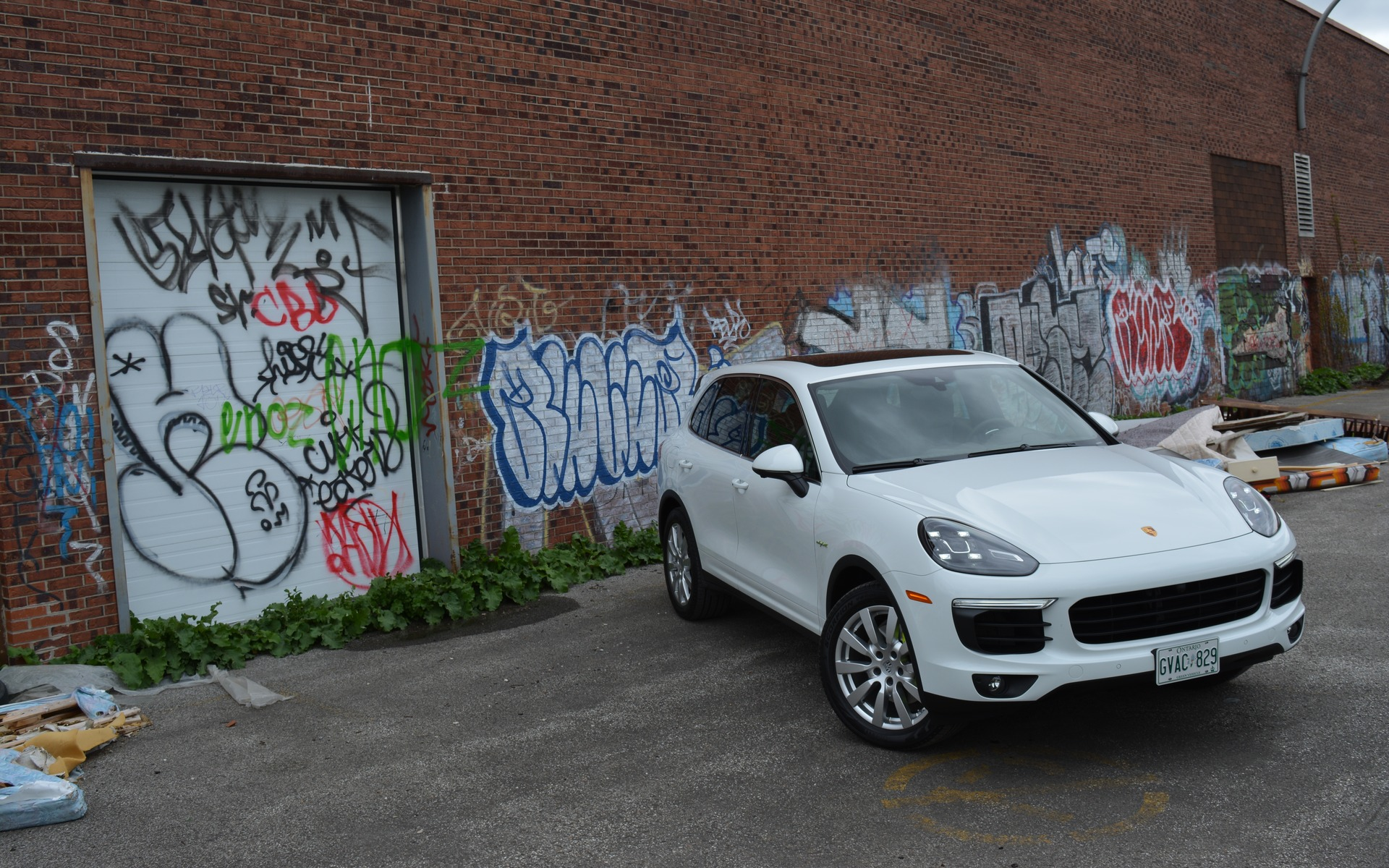 2016 Porsche Cayenne S E Hybrid The Good And Bad Of The Cayenne The Car Guide