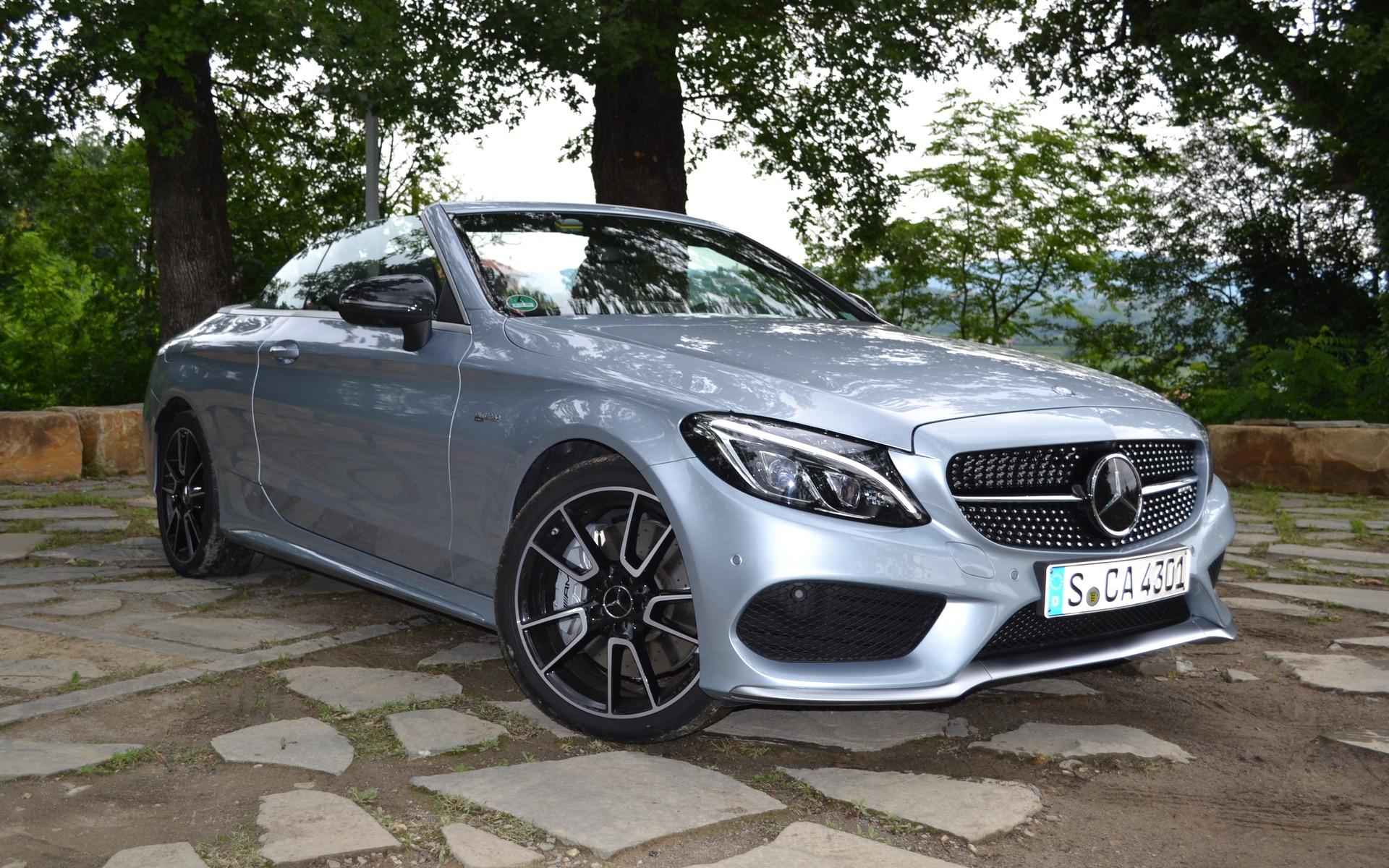https://i.gaw.to/photos/2/5/2/252119_2017_Mercedes-Benz_C-Class.jpg