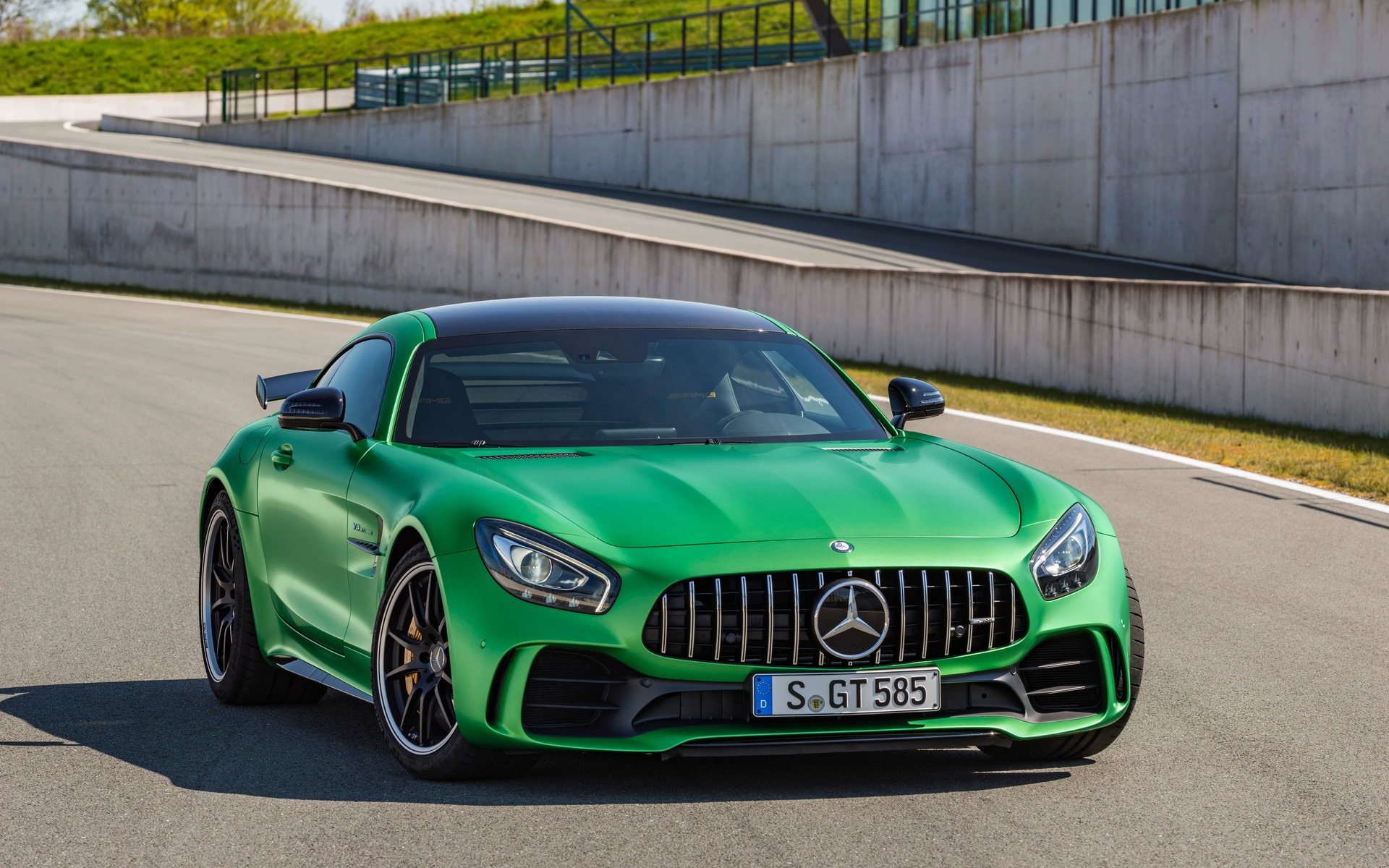 verte pour conqu rir l enfer vert voici la mercedes amg gt r guide auto. Black Bedroom Furniture Sets. Home Design Ideas