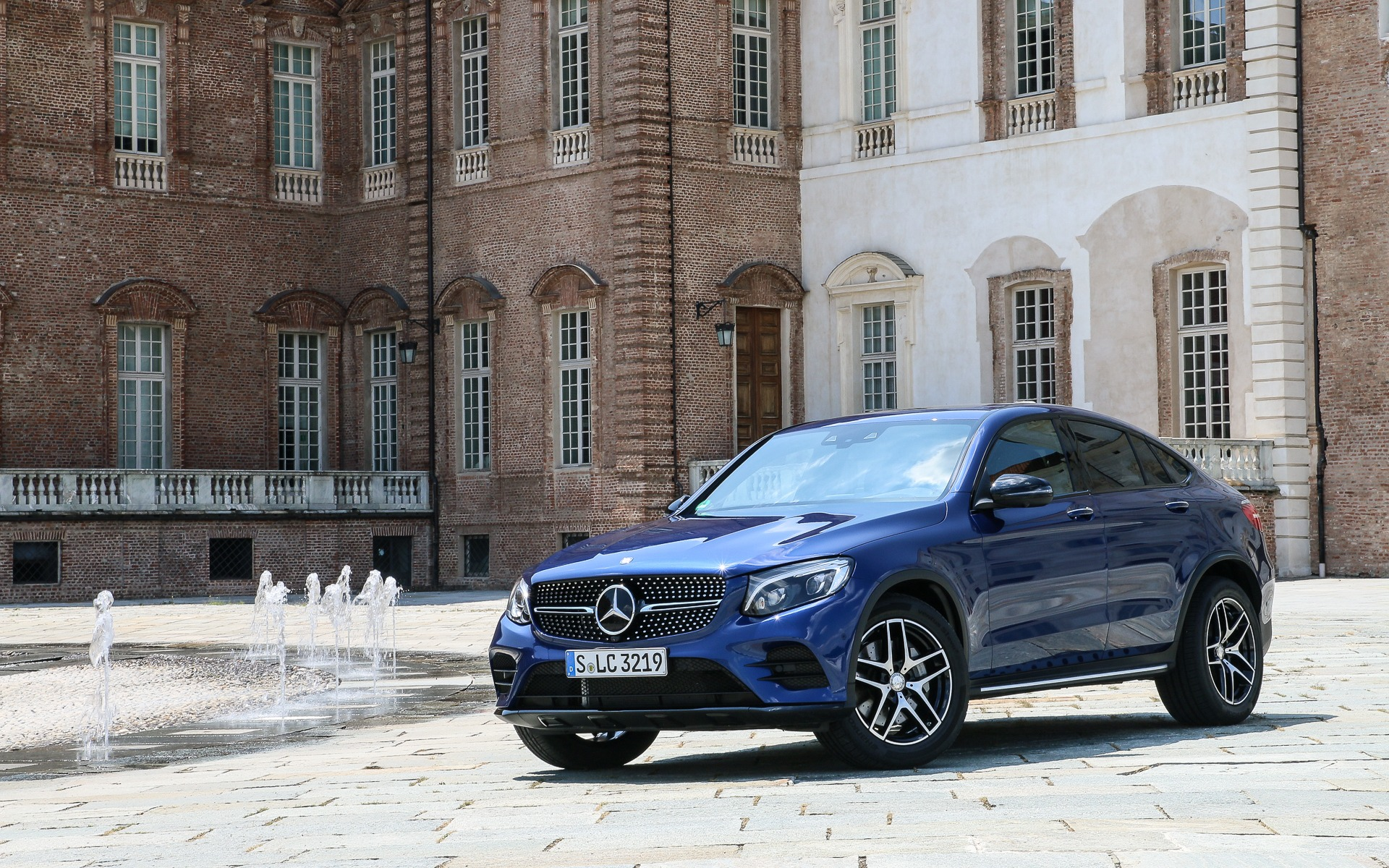 2017 mercedes benz glc coupe get that suv out of my sight. Black Bedroom Furniture Sets. Home Design Ideas