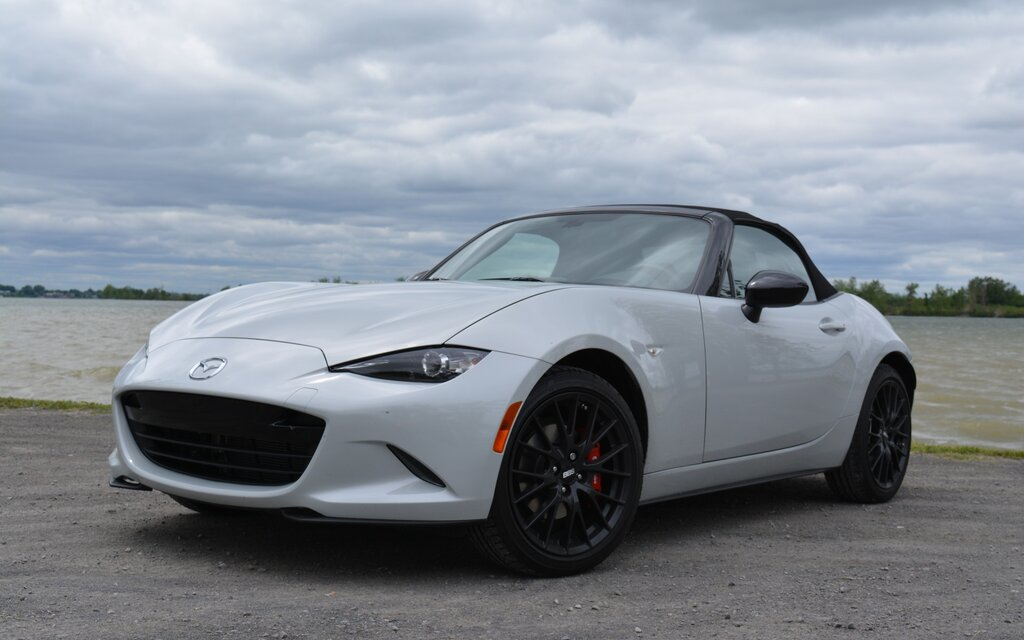 2016 mazda mx 5 gs sport sauce is good the car guide. Black Bedroom Furniture Sets. Home Design Ideas