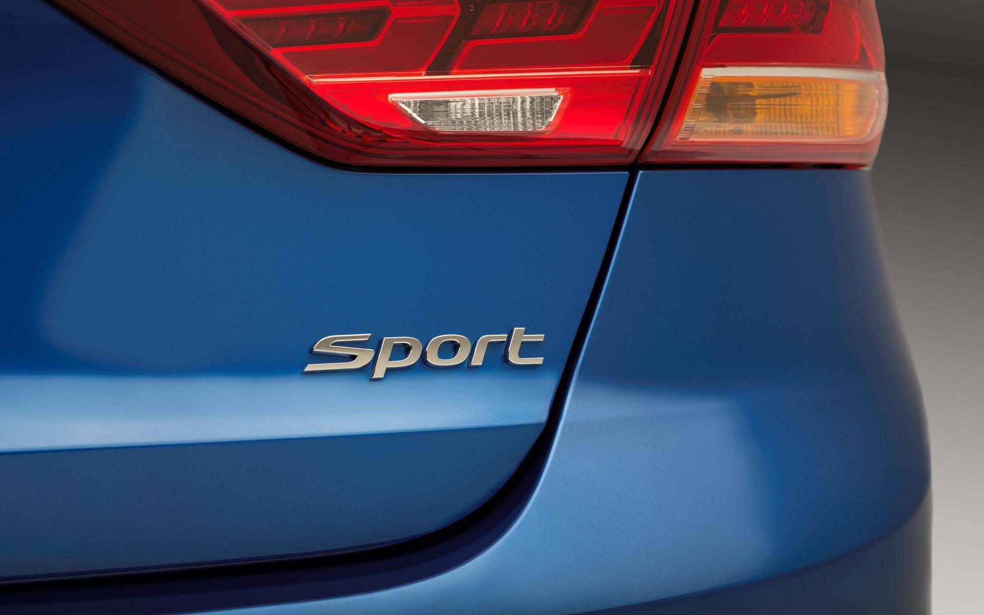 Pictures Of A Hyundai Elantra Autos Post