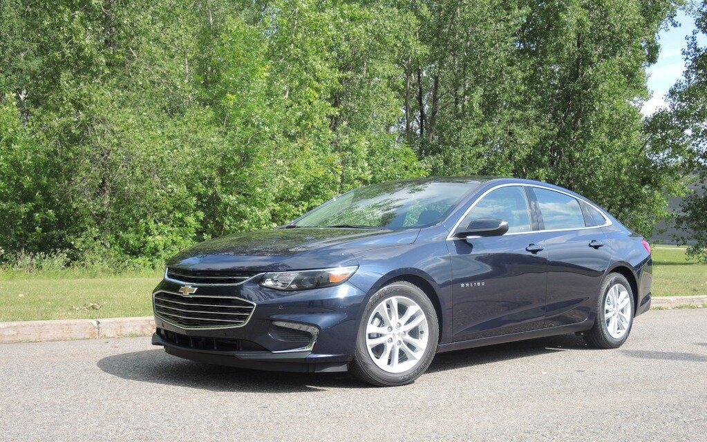 chevrolet malibu hybride 2016 cette fois c 39 est s rieux guide auto. Black Bedroom Furniture Sets. Home Design Ideas