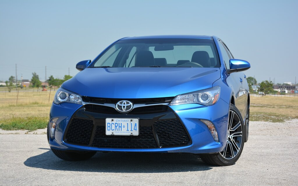 2016 toyota camry expected comfort with added style the car guide. Black Bedroom Furniture Sets. Home Design Ideas