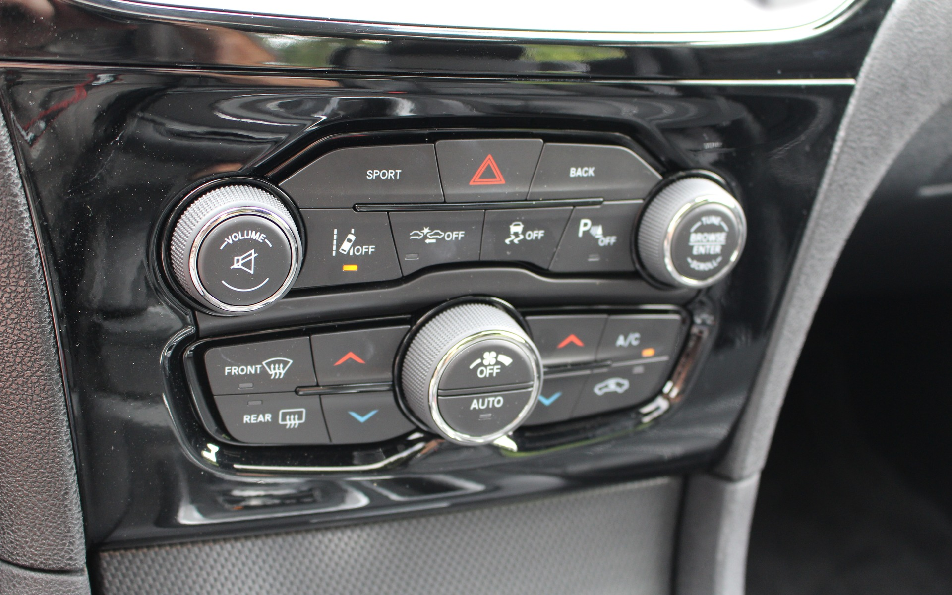 2016 Chrysler 300S