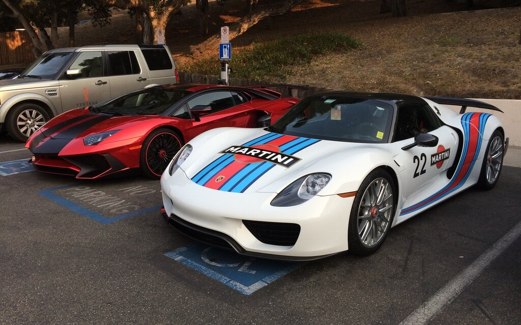 A Lot Of Cars >> 2016 Pebble Beach - Some nice cars in the parking lot ! - 8/10