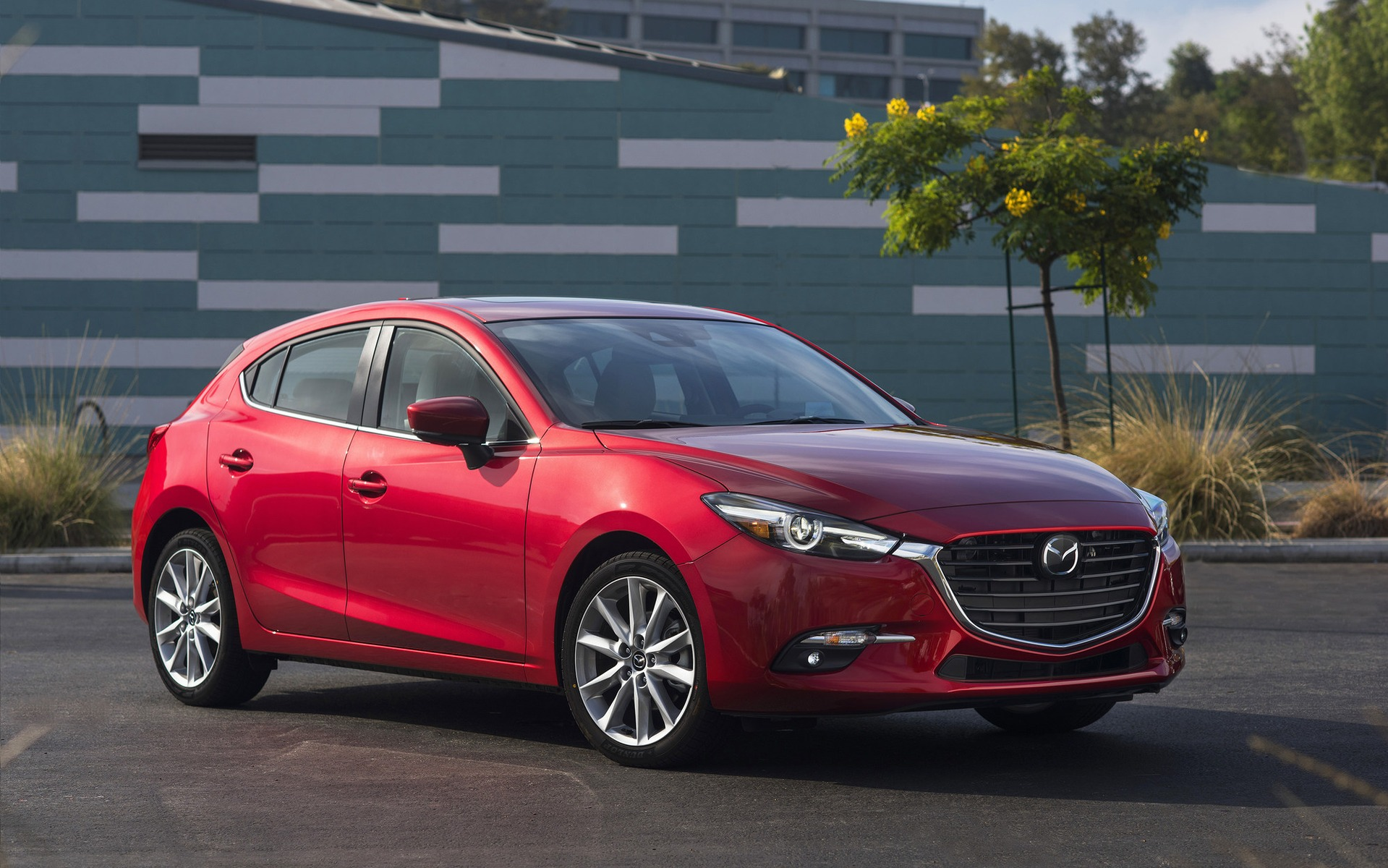 a round of changes for the 2017 mazda3 the car guide. Black Bedroom Furniture Sets. Home Design Ideas