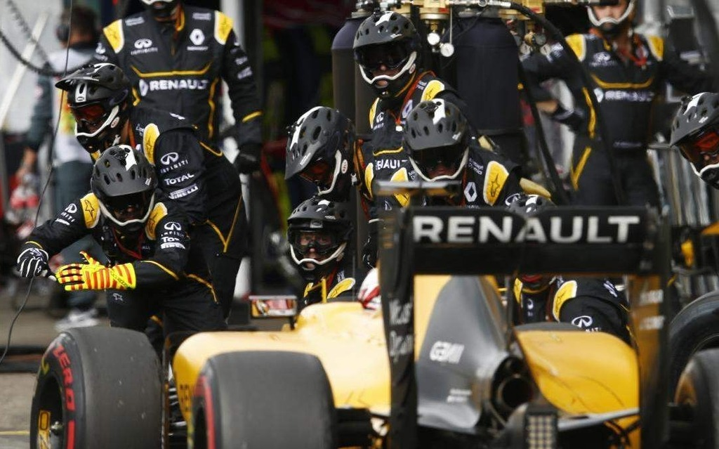 Renault Sport F1 - Arrêt aux puits