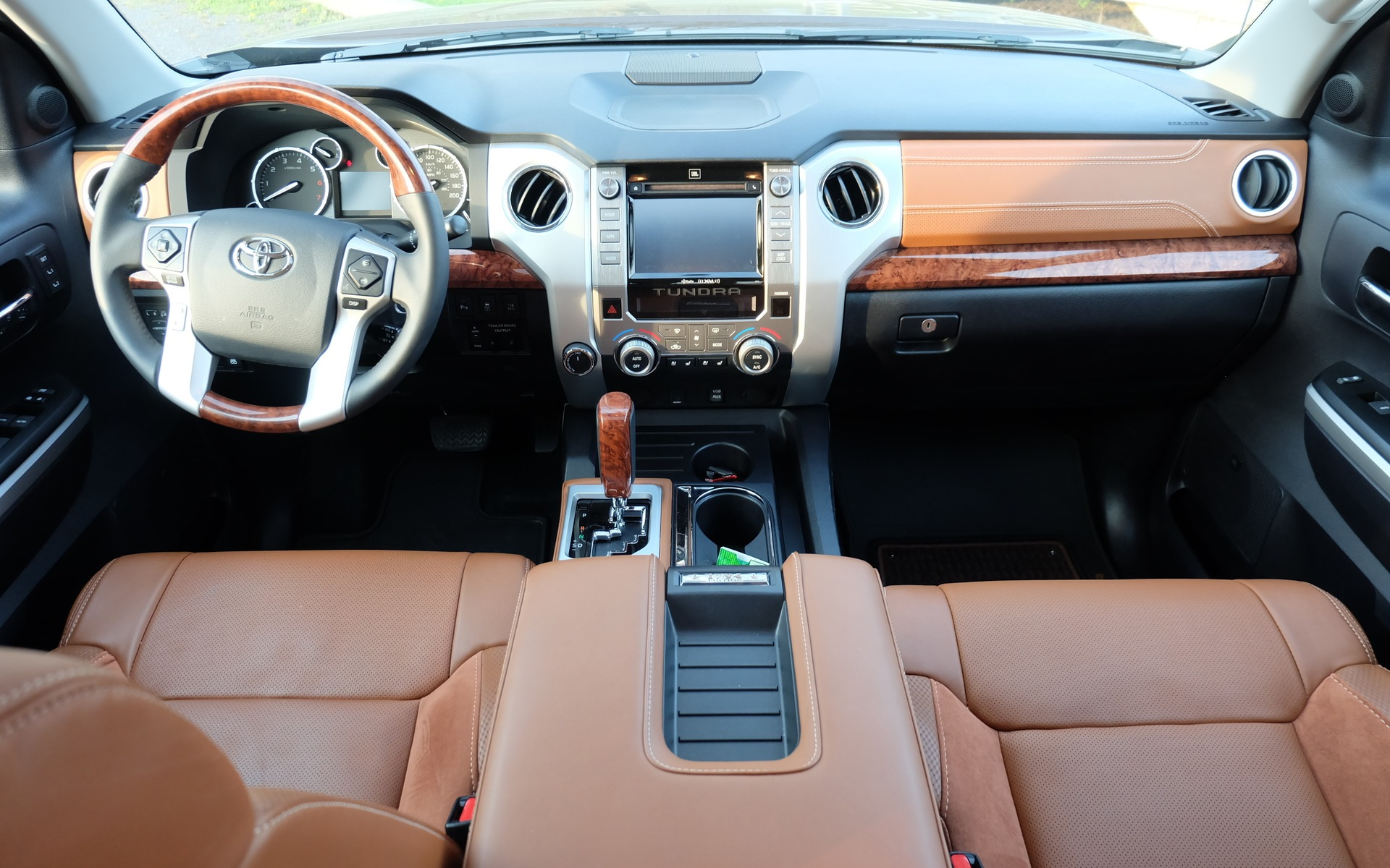 2016 Toyota Tundra 1794 Edition: The Try-hard - The Car Guide